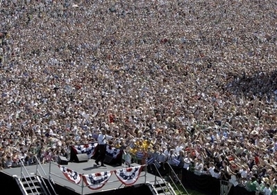 Obama politics of crowds